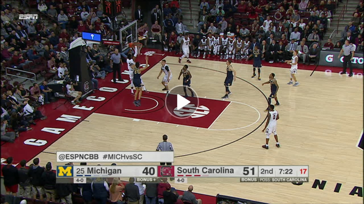 South Carolina extends the lead with an alley-oop - ESPN Video